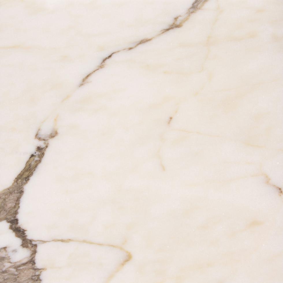Mármore Estremoz branco com veios castanhos